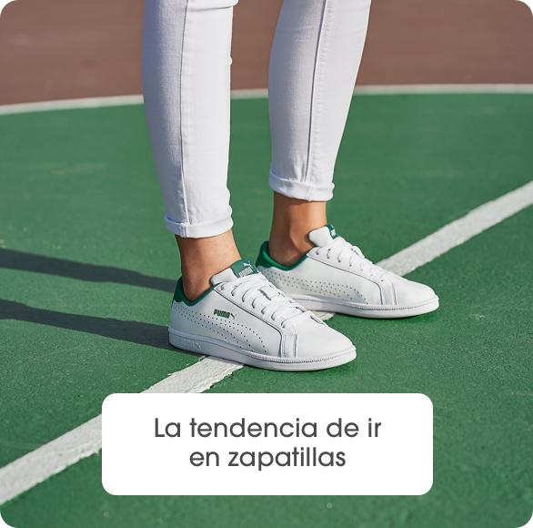 La tendencia de ir en zapatillas